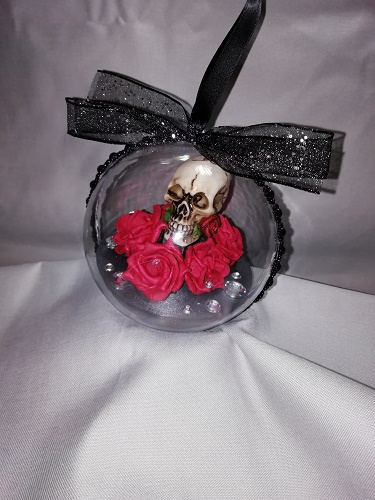 Skull and Roses Bauble Red